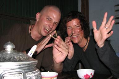 Cambodja - Phnom Penh - Marcus en Jans aan de stok