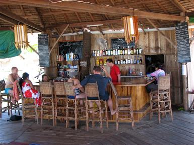 Cambodja - Koh Ru - de bar/receptie